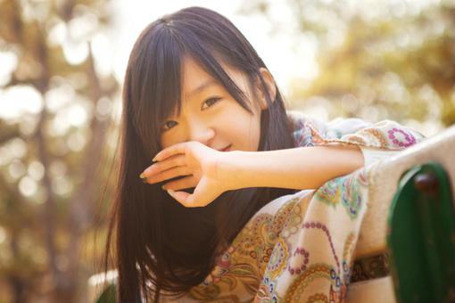 美女图片:我有双爱笑的迷人眼睛